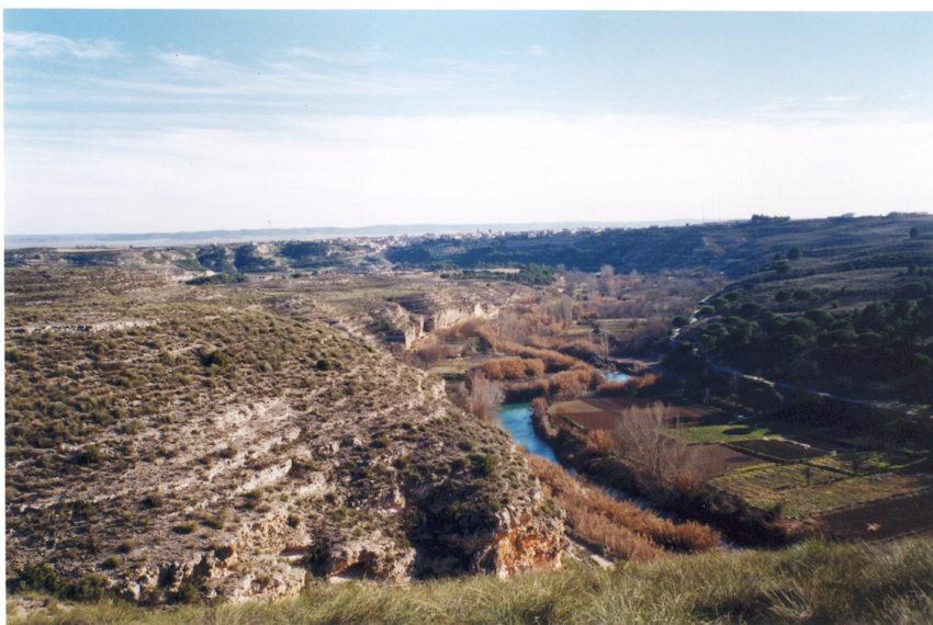 La finca y abajo el río